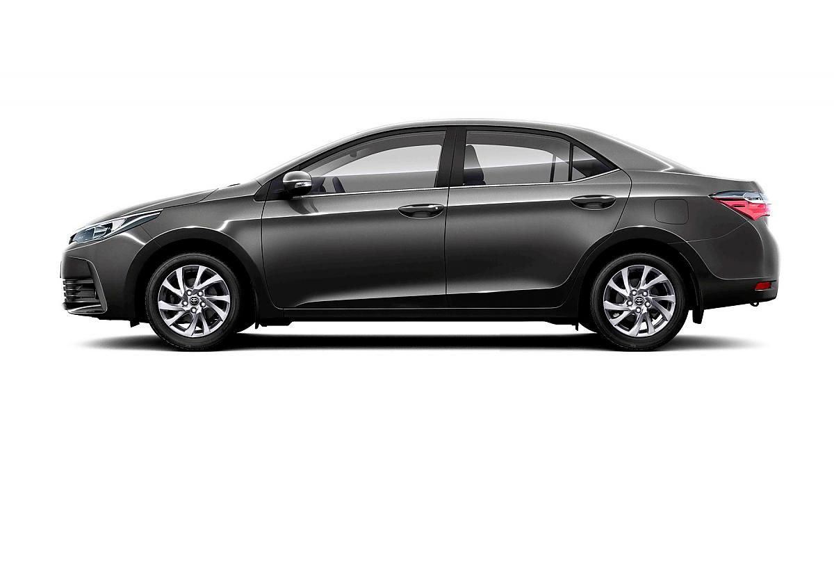 Toyota Corolla рестайлинг в профиль