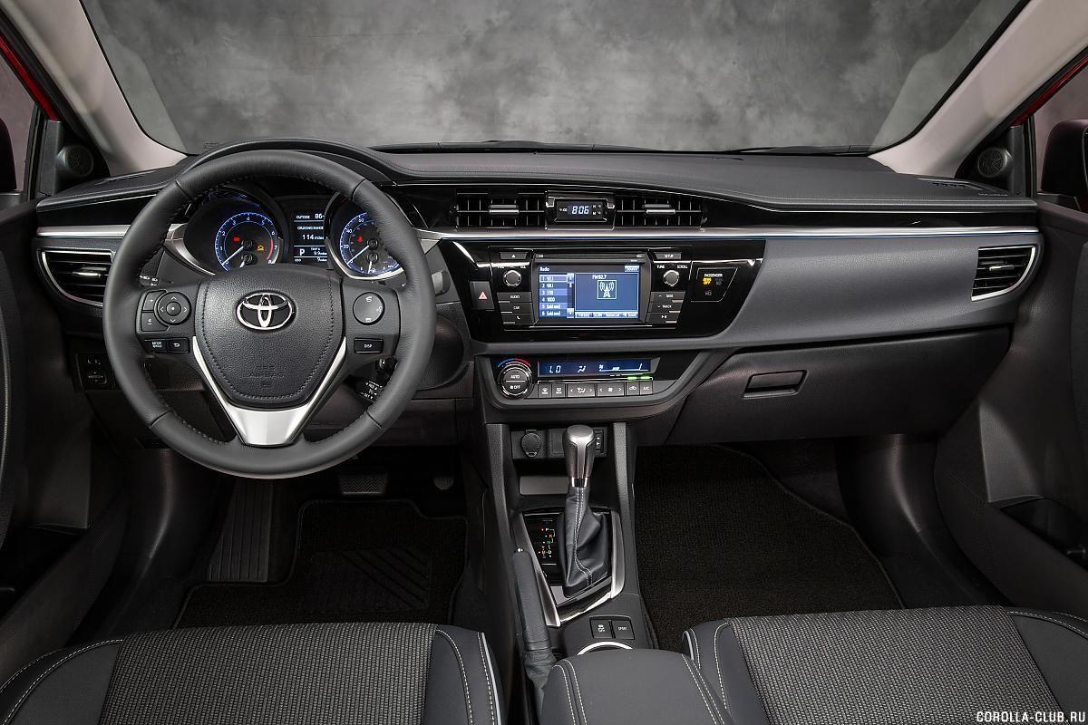 Toyota Corolla приборная ппанель