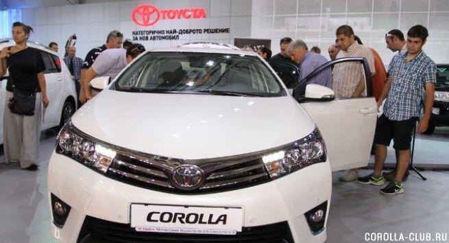 Toyota Corolla 2014 фото спереди