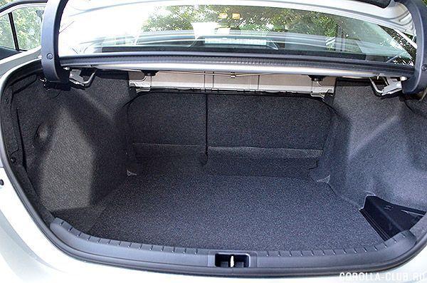 Toyota Corolla 2014 багажник