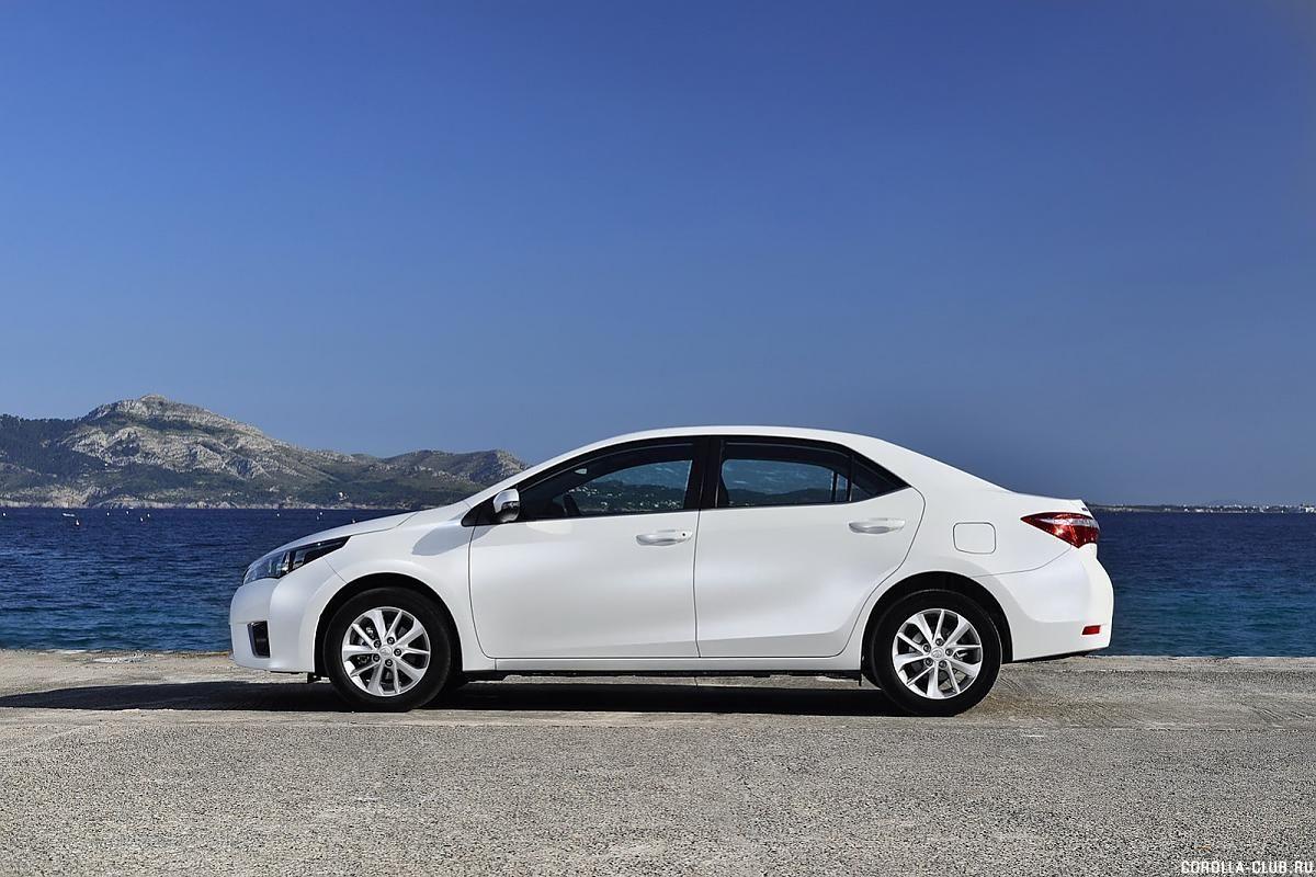 Toyota Corolla белая