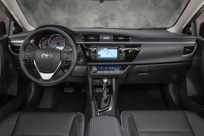 Toyota Corolla 2014 передняя часть