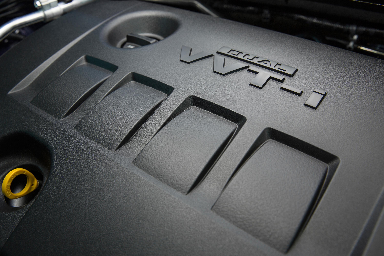 вид спереди Toyota Corolla 2014